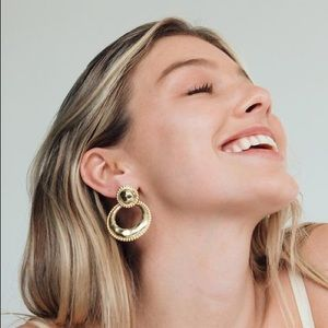 Clips DREE STUDDED STATEMENT HOOPS Kylie Jenner